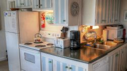 fully equipped kitchen in Maine rental